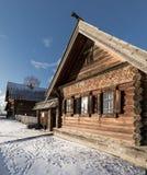 Gammalt trähus i Ryssland Royaltyfri Fotografi