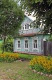 Gammalt trähus i Ryssland Royaltyfria Foton