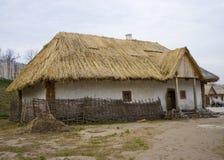 gammalt traditionellt för hus Arkivfoton