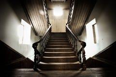 gammalt trappaträ Arkivbild