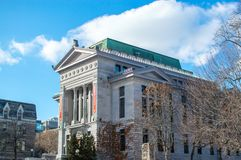 Gammalt universitetmuseum i i stadens centrum Montreal Royaltyfri Bild