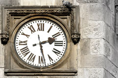 gammalt utomhus- för klocka Arkivbild