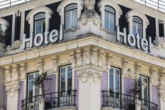 Gammalt utsmyckat hotell i centrala Lissabon, Portugal arkivbilder
