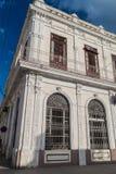 Gammalt utsmyckat hus i Cienfuegos, gröngöling royaltyfri bild