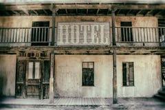 gammalt västra för hotell royaltyfria foton