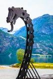 Gammalt viking fartyg i norsk natur Royaltyfri Fotografi