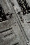 gammalt weatherbeaten för dörr royaltyfri fotografi