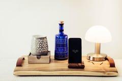 Gammalt wood magasinhörn i vardagsrum eller sovrum Royaltyfri Bild