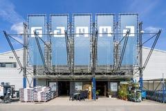 Gammamaskinvarulager i Leidschendam, Nederländerna Arkivbilder