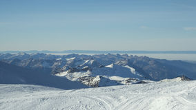 Gamme de montagne couronnée de neige de glacier de Jungfraujoch Image stock