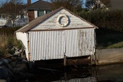 Gammelt sjøhus. Empty boat house in the fall Royalty Free Stock Photography
