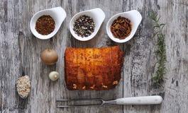 Gammon-vlees met verschillende kruiden royalty-vrije stock fotografie