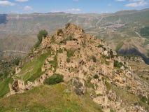 Gamsutl, een verlaten dorp in Dagestan, Rusland stock afbeelding