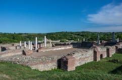 Gamzigrad - der alte römische Komplex von Palästen und von Tempeln Fel Stockbilder