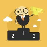 Ganador del personaje de dibujos animados del hombre de negocios que sostiene un trofeo del número uno Fotografía de archivo