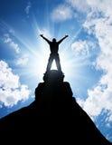 Ganador en el top de la montaña Imagenes de archivo