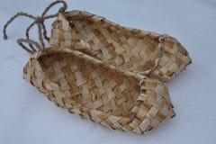 Ganchillo de los zapatos DIY de las sandalias hecho a mano Fotografía de archivo libre de regalías