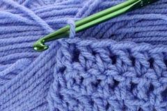 Ganchillo y cuerdas de rosca Foto de archivo