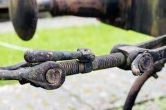 Gancho viejo usado en los ferrocarriles Gancho del remolque para un tren o un carro fotos de archivo