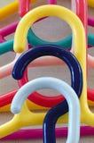 Ganchos de revestimento coloridos Fotografia de Stock Royalty Free