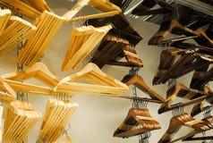 Ganci di legno Immagini Stock