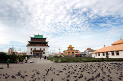 Gandantegchenlings Boeddhistische tempel in Ulaanbaatar, Mongolië Royalty-vrije Stock Foto's
