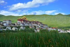 Ganden Songzanlin佛教徒修道院 香格里拉县,中国 库存照片