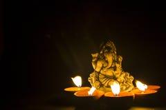 Ganesh del señor en luz de la lámpara Imágenes de archivo libres de regalías