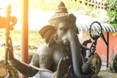 Ganesh Sacred som dyrkanen av det indiska folket i Hinduism arkivfoto
