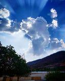 Ganesh in wolken royalty-vrije stock afbeeldingen
