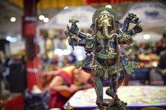 Ganesha, ινδή θεότητα με proboscis και τέσσερα όπλα Στοκ εικόνα με δικαίωμα ελεύθερης χρήσης