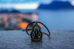 Ganesha halsband med en sikt arkivfoto