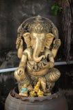 Ganesha satt på lerakrukor Royaltyfri Foto