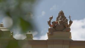 Ganesha-Statue auf Säule stock video