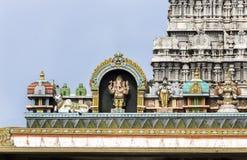 Ganesha Statue on glorious covered walkway to Thiruvannamalai te Stock Images