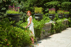 Gang aan tuin Royalty-vrije Stock Foto's