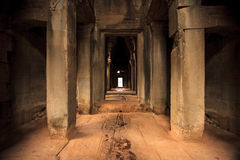 Gang in Angkor Wat, Kambodja Royalty-vrije Stock Foto's