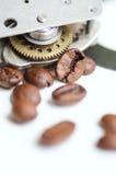 Gang, Kettenrad, Uhrwerk und Kaffee Kaffee zeit- cofee Bruchthema Lizenzfreie Stockfotografie