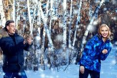 Gang op de winterdag stock afbeelding