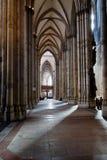 Gang von Köln-Kathedrale, Deutschland Lizenzfreie Stockfotografie