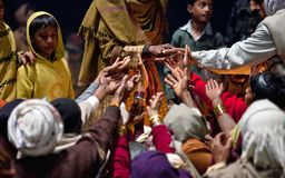 ganga συμβολής τελετής aarti prasad Στοκ Εικόνα