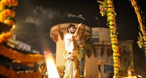 Ganga Aarti Ceremony en Varanasi Imagen de archivo libre de regalías