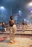 Ganga Maha Aarti Ceremony en Varanasi, la India Fotografía de archivo libre de regalías