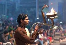 Ganga Maha Aarti Ceremony in Varanasi, Indien Stockbilder
