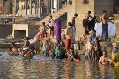 ganges india flod varanasi arkivbilder