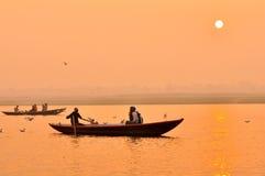 ganges india flodsolnedgång Royaltyfri Foto