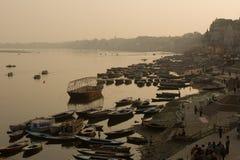 Ganges på Varanasi arkivbild