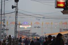 Ganges rzeka przy półmrokiem Zdjęcia Stock