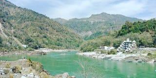 Gangesen i rishikesh arkivbilder