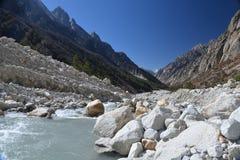Gangotri, Uttarakhand, la India Río Ganges en la India imagen de archivo libre de regalías